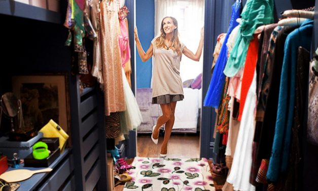 Declutter Your Closet With These Helpful Tips