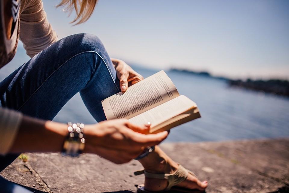 Novels Worthy of English Beaches