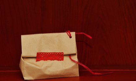 3 Reasons Paper Bags Beat Lunch Boxes for Your Kid's Packed Lunch