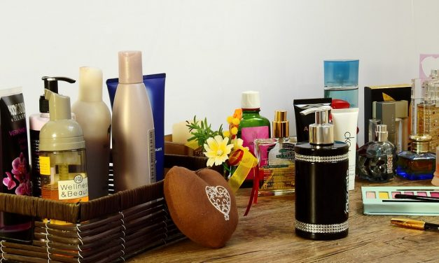 Makeup Storage Ideas to Declutter Your Life (and your bathroom)