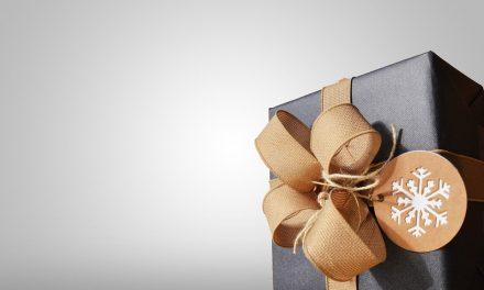 How to Christmas Shop Like an Expert