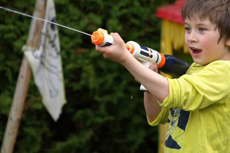 A Splash of Water: 8 Water Guns Your Son Will Love Playing With